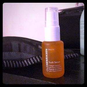 Vitamin C based serum by top rated name.